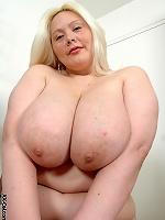 Sexy Sophia Lynn